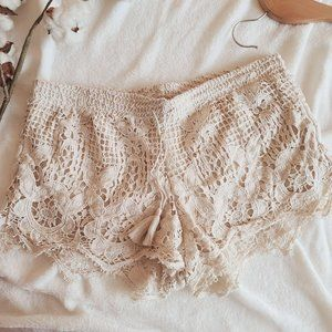 Express Crochet Applique Lace Pull On Shorts Tan